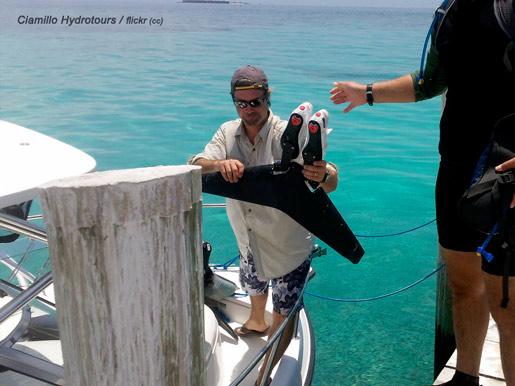 качване в лодка с плавницте